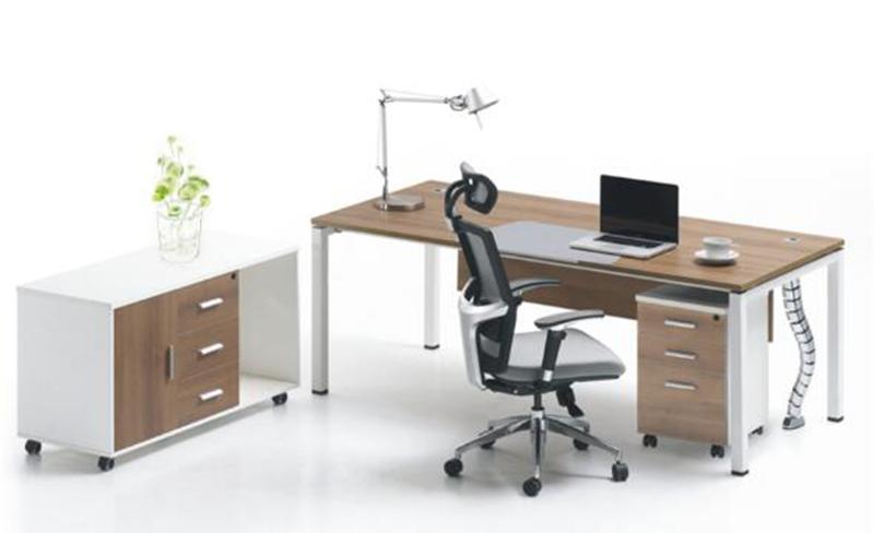 现代简约:办公桌侧面