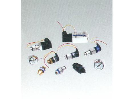 過濾器用污染物堵塞發訊器