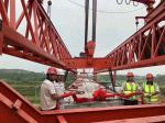 廣東玉湛高速三工區首片40米箱梁,170噸重/40度斜角