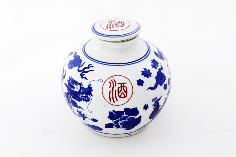 青花瓷装米酒