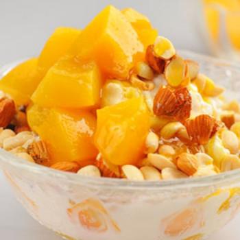 黄桃刨酸奶