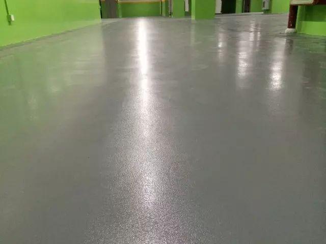 微珠防滑自流平地坪